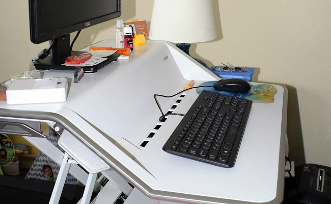 How to be More Productive with the Fellowes Sit Stand Desk Top Workstation
