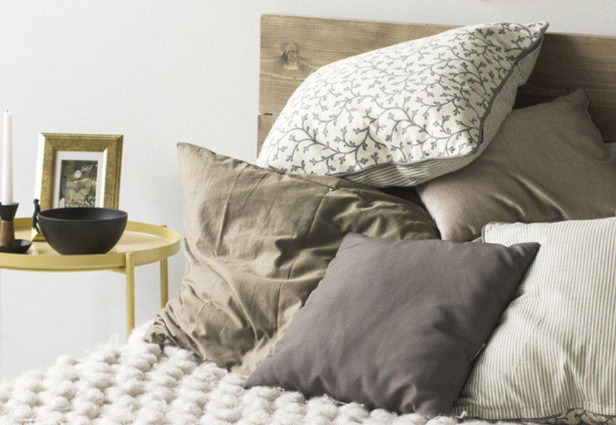 Bedroom Color Ideas: Fall Asleep or Fall in Love
