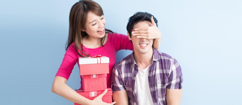 Woman surprises her boyfriend for valentines