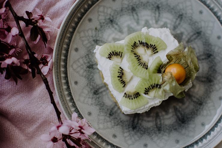 Polenta-Topfen-Fruchtschnitte
