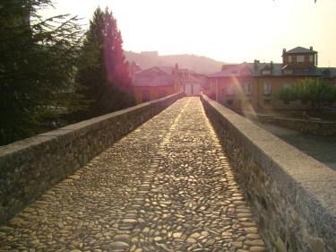 Roman bridge onthe Camino de Santiago at Molinaseca El Bierzo