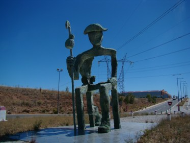 Pilgrim statue at Villabilla de Burgos