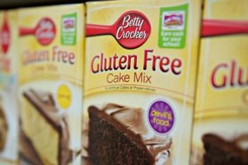 betty crocker gluten free cake mix package