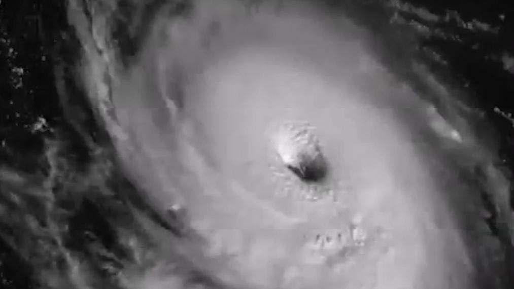 Hurricane Lee close-up_1506474775669-159532.jpg40342623
