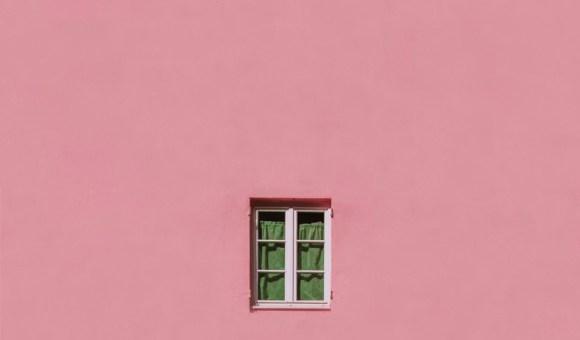 Dietro la finestra / Behind the window