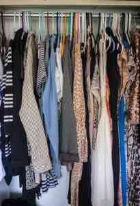 picture-of-clothes-in-closet