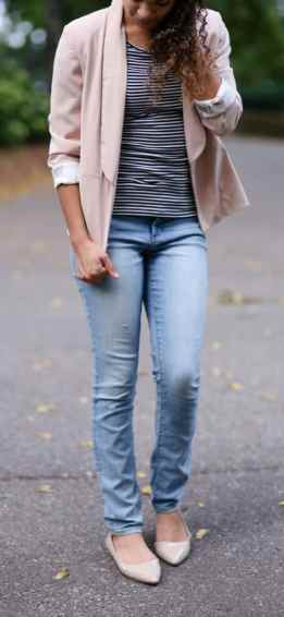how to wear a light pink blazer. pink blazer and stripes