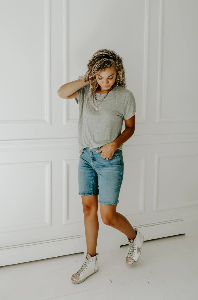 bermuda shorts outfit casual streetstyle