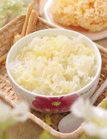 White Fungus Quail Egg Soup Recipe 1