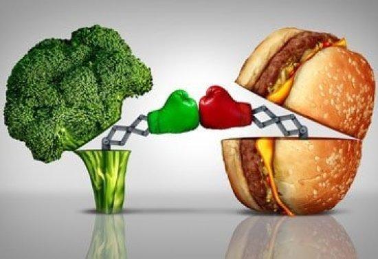 Fresh green vegetables are more nourishing than fatty burger