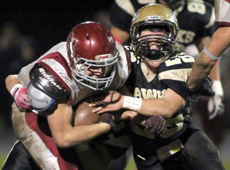 Woodland and Naugatuck had their share of struggles in the Copper Division last fall. –RA ARCHIVE