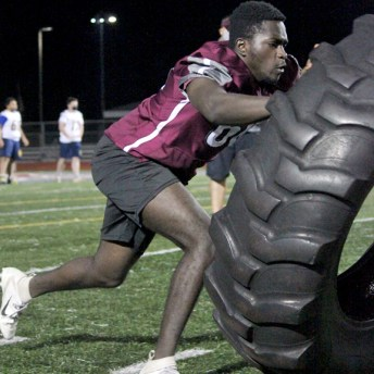 Naugatuck played Seymour in a 7-on-7 game that included lineman challenges Oct. 19 at Naugatuck High School. –ELIO GUGLIOTTI