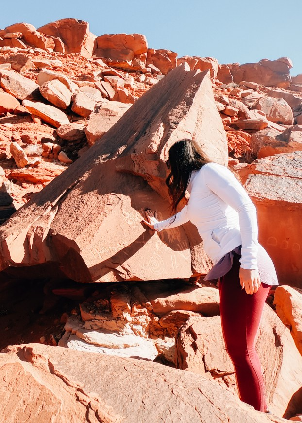 Exploring Native American culture in the United States is incredibly rewarding. Driving through Ancient ruins in Pheonix, Page, and Antelope Canyon. Montezuma Castle, Native American Art Work and modern day culture are all parts of this amazing road trip!! traveling with family #travelmore #traveltips #explore #wanderlust #travelblogger #travelblog #arizona #nativeamericanheritagemonth #nativeamericanhistory #history