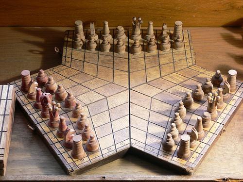 mp_cc_three_players_chessboard.jpeg