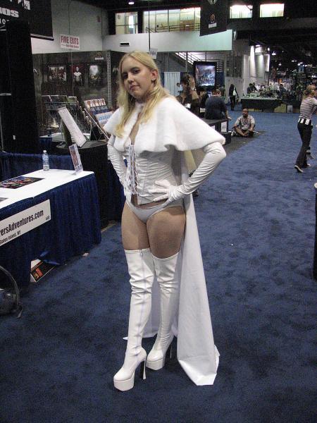 white-queen-cosplay.jpg