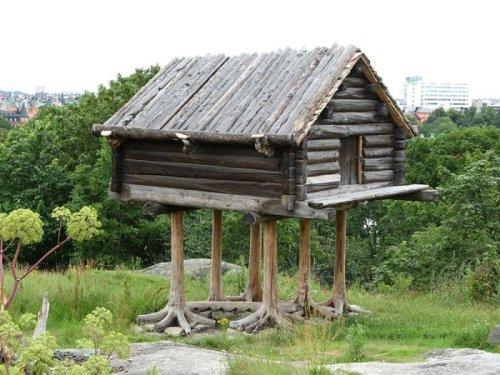 Stilted log house