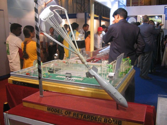 model of retarder bomb