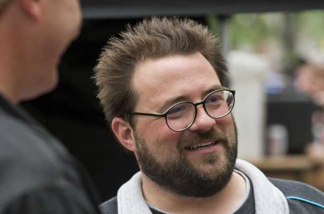 kevin smith on the set of cop out