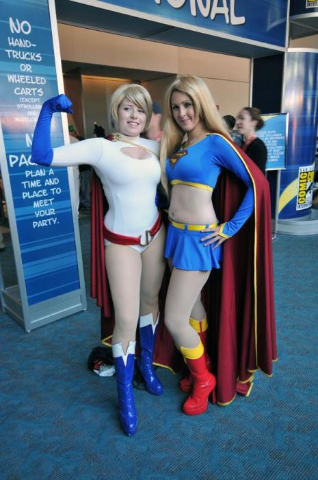 power girl and supergirl cosplayers