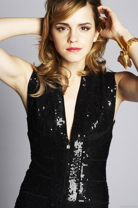 emma watson - black shiney top