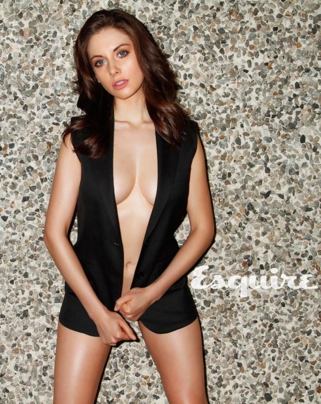 Alison Brie - Esquire - side boob.jpg