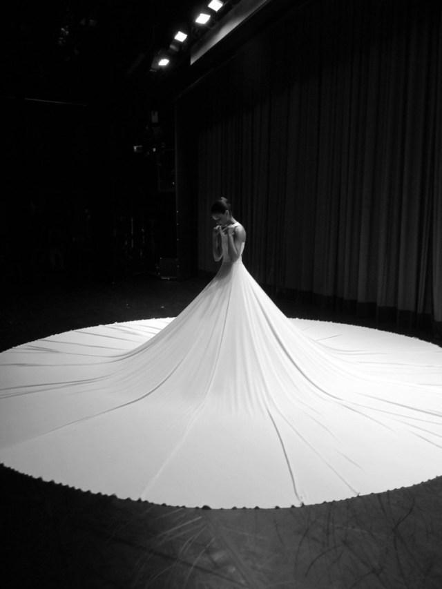 fana tesfagiorgis - backstage before splendid isolation ii - photo by elizabeth washington.jpg