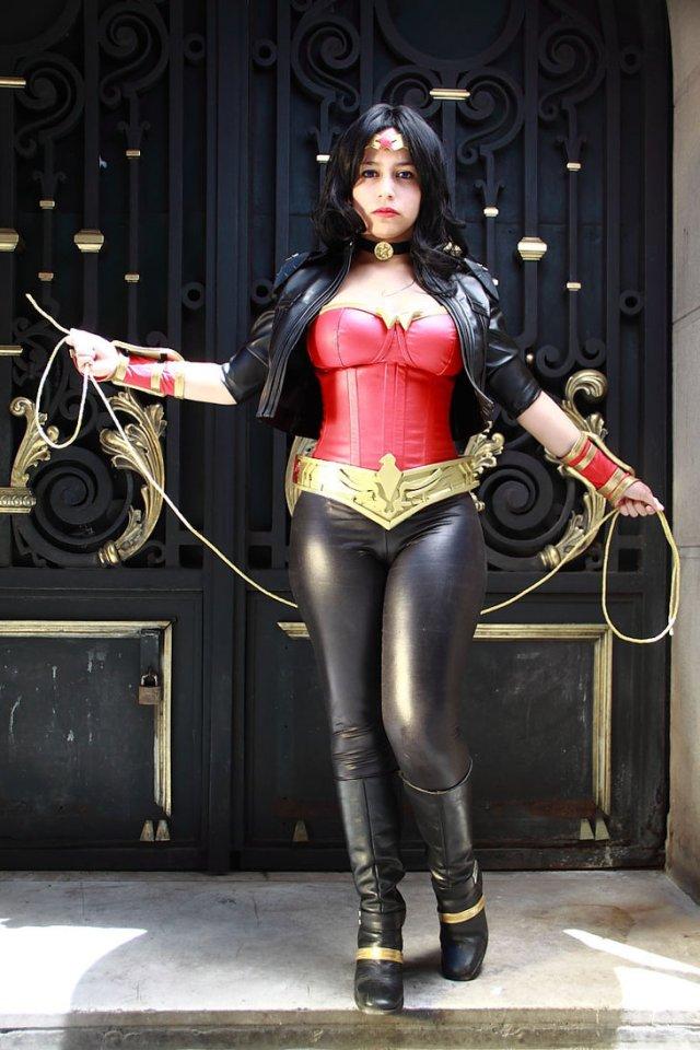 Wonder Woman - Tight Pants Cosplay.jpg