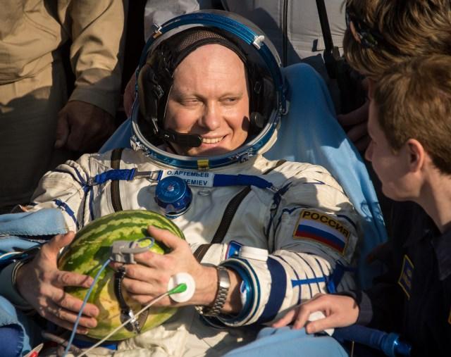 Oleg Artemyev with a melon.jpg