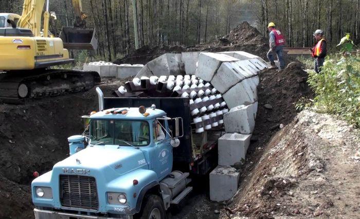 Arch Truck.jpg