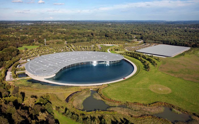 McLaren Technology Centre.jpg