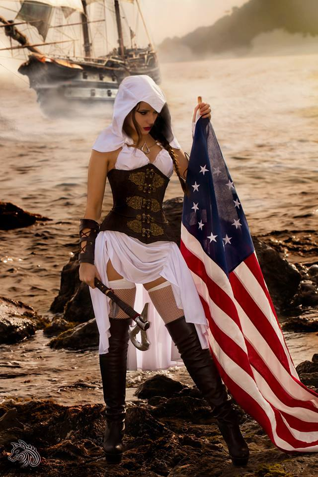 Assassans Creed Cosplayer.jpg