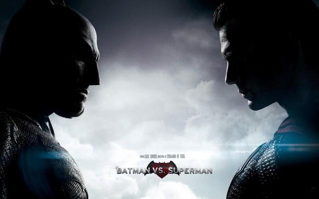 Batman v Superman wallpaper.jpg