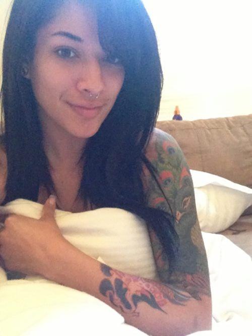 Tattooed-Hotties-24