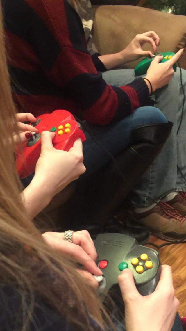girls gaming on n64.jpg