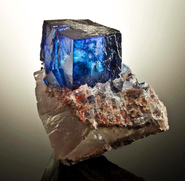 dat-blue-cube