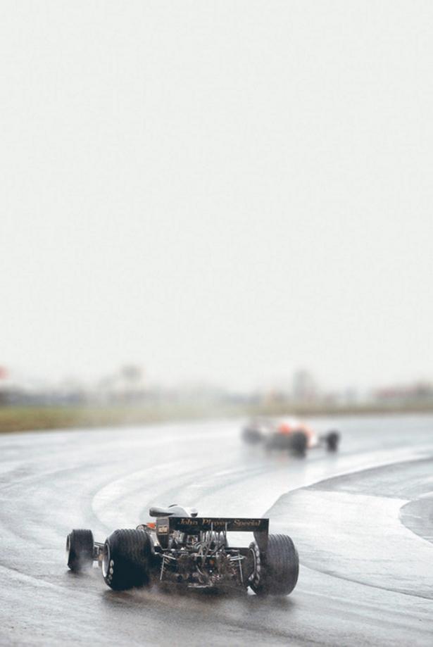 race car Friday-Breakdown-026-11212013