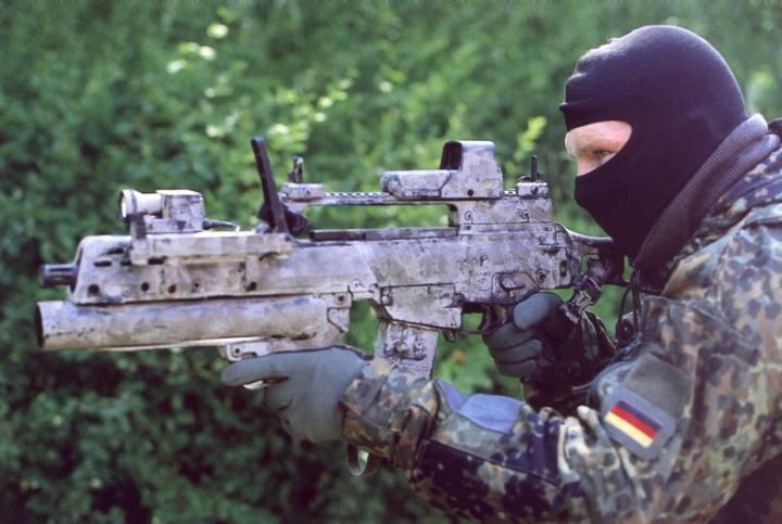 muddy camo weapons.jpg
