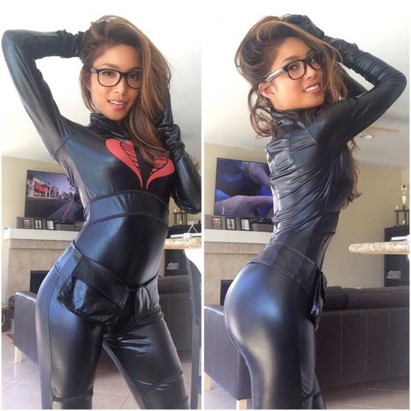 Baroness Cosplayer.jpg