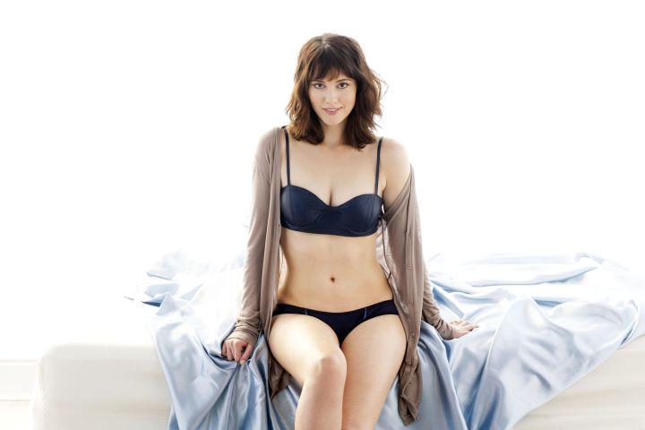 mary elizabeth winstead in her undies.jpg