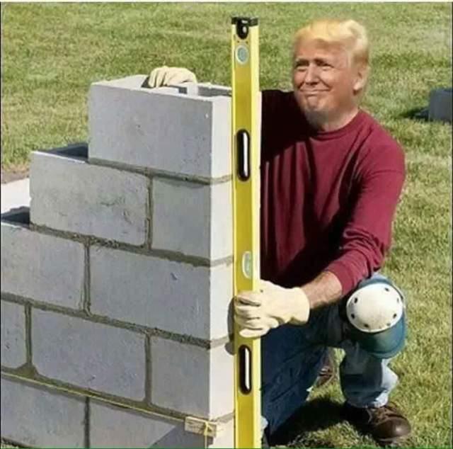 trump-building-his-wall