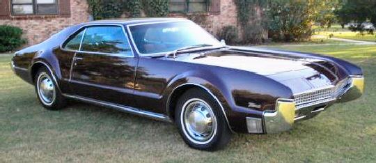 muscle-1967-oldsmobile-toronado