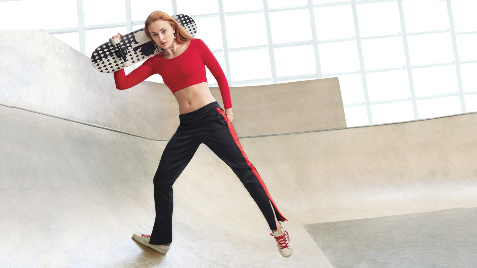 Sophie Tuner is a hardcore skater gurrrrrl