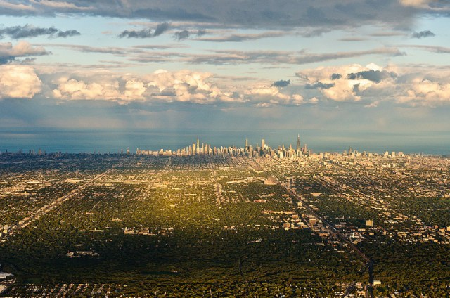 CHICAGO-FROM-AFAR-Photograph-by-Robert-Elves-on-Flickr.jpg (465 KB)