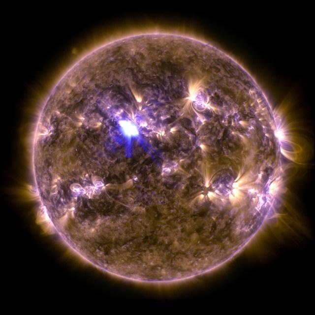 sdo_20130411-M6flare-orig_2048.jpg (1 MB)