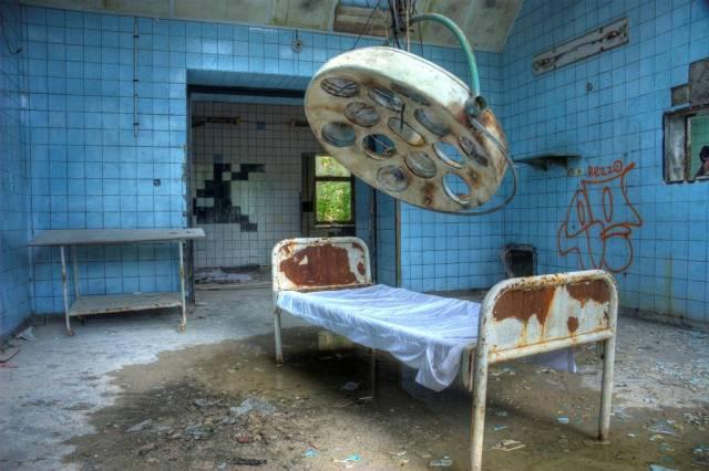 Beelitz-Heilstätten-sanatorium-urbex-berlin-germany-1.jpg (114 KB)