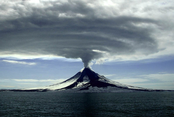 volcano_06.jpg (76 KB)