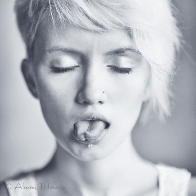 tonguetie.jpg (149 KB)
