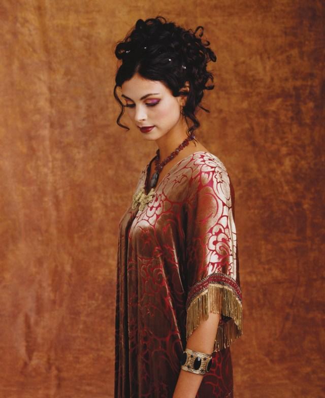 brunettes-woman-dress-actress-firefly-hd-wallpaper-617914.jpg (388 KB)