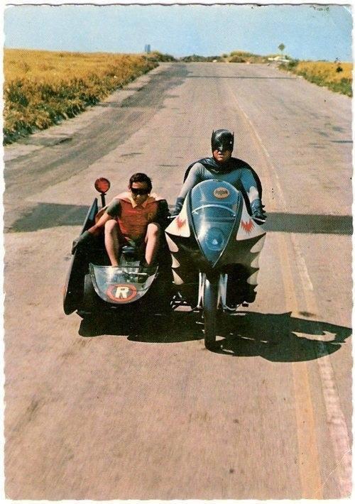 Bat-Bike-and-Bat-cart.jpg (61 KB)