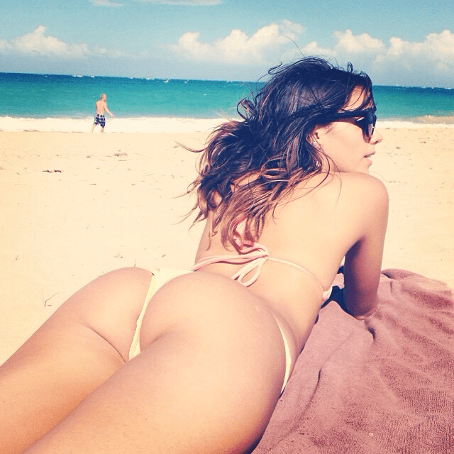 Chilliing-at-the-beach.-Imgur.png (799 KB)